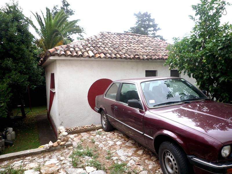 house-in-budva--parking